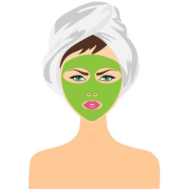 Žena s pleťovou maskou