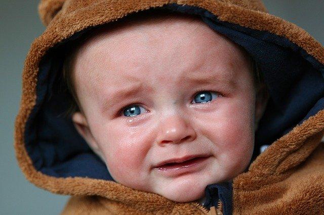 nešťastné miminko