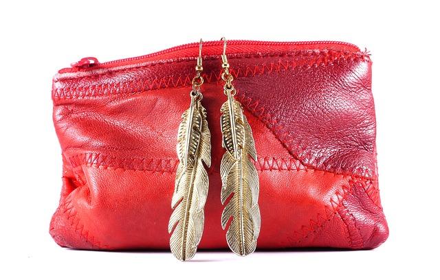 kabelka s ozdobou