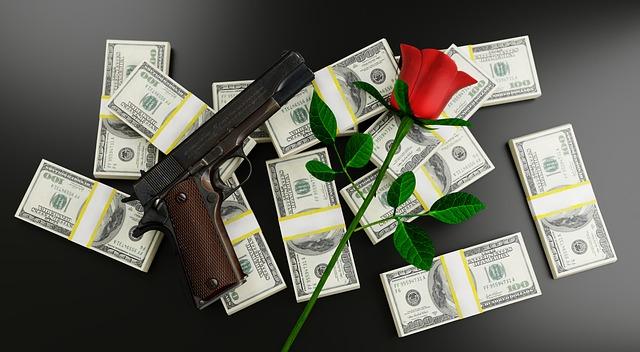 peníze, růže a zbraň