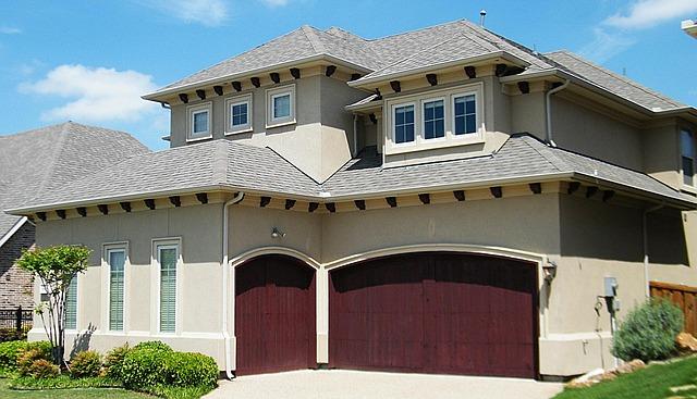 rodinný dům s honosnou garáží